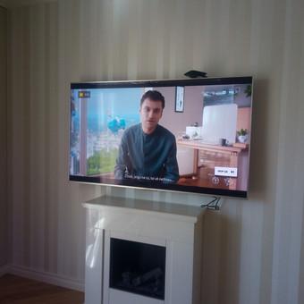 Įvairiausių dydžių televizorių tvirtinimas prie sienos.