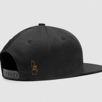 """Kavinės """"Manu Labu"""" darbuotojų kepurės dizainas"""