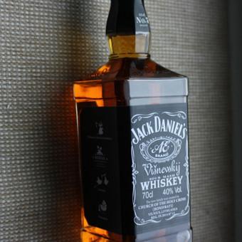 Jack butelys su individualia etikete - dovana vestuvių/gimtadienio proga.
