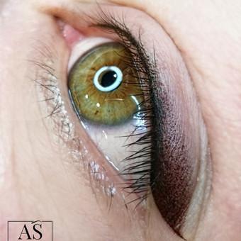 Permanentmakeup.lt – akių vokų permanentinis makiažas. Nupiešiama tobula linija įvairiomis technikomis, paryškinamas akių kontūras, parenkama spalva (pigmentas).