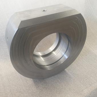 Plieninė detalių frezavimas