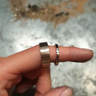 Klasikiniai balto aukso žiedai