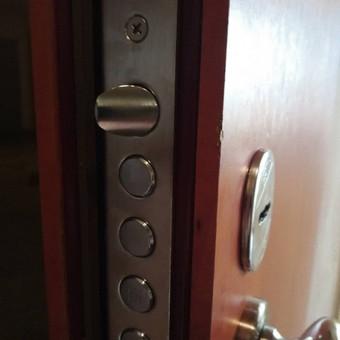 Šarvo durų spynos keitimas Jūsų namuose, biure, sodyboje