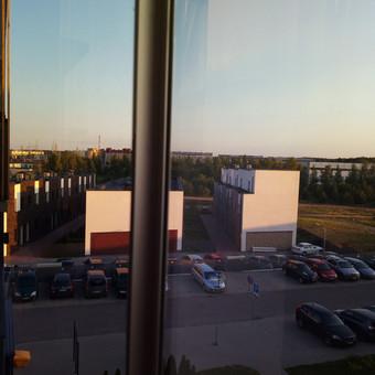 Nesandaraus berėmio balkono sandarinimas anoduoto aliuminio kampuočiais