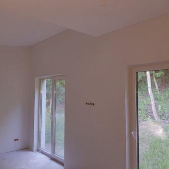 Sienų gruntavimas, dažymas 2 kartus