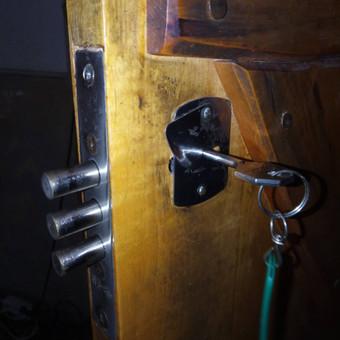 Durų spynos remonto / sutepimo darbai privaties ir verslo klientams.
