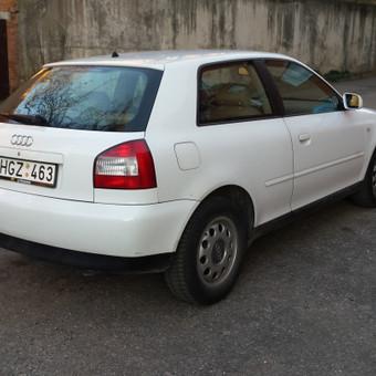 Audi iš galo-pusiau dešiniošono