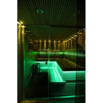 Sauna - garinė pirtis Šventojoje Gultai - nestandartinės, plačios kedro lentos. Gultų priekių uždanga ir nugaros atramos - iš afrikietiškos nekaistančios abachi medienos. Sienos - plačios ...