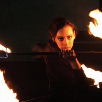 Šokio su ugnimi video klipas pagal pasirinktą muzikinį kūrinį.