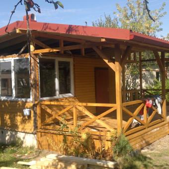 Sodo namelio rekonstrukcija, didinant namo plotą, pakeičiant stogo konstrukciją, įrengiant terasą ir pristatant priestatą + langų montavimas Kauno raj.