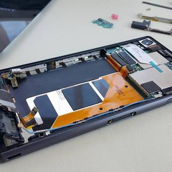 Dažnas mūsų svečias - Sony Xperia Z3. Ekrano keitimas - 66€.