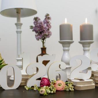 Mediniai numerėliai stalo numeracijai ar datos užrašymui