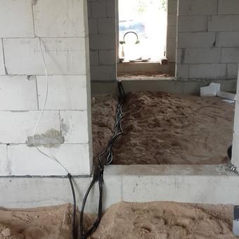 Gyvenamojo namo elektros instaliacijos darbai.