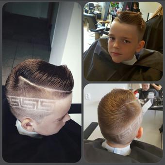 Šiam mielam berniukui kurėm nauja šukuosena.Iš plačios šypsenos supratau,koks patenkintas nauju įvaizdziu.
