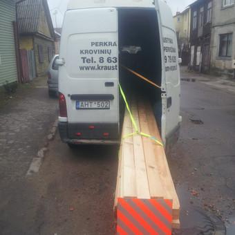 6m ilgio medinių lentu pervežimas