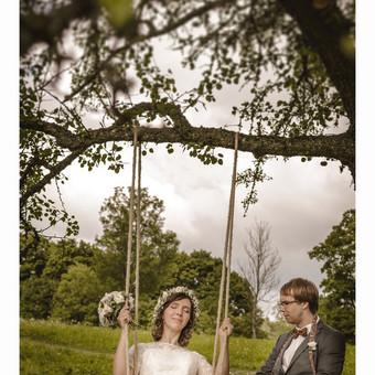 Vestuvės sūpynėse / Eglė ir Raimondas (vestuvių fotografija)