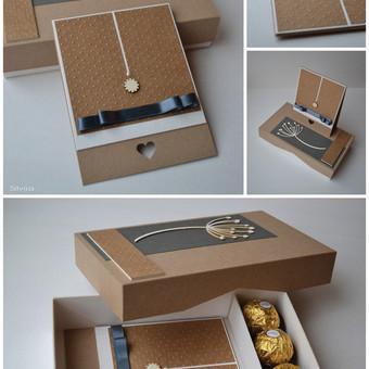 Atvirukas dekoruotoje dėžutėje (jos turinys gali būti įvairus). Dydis - 180 x 100 x 50.