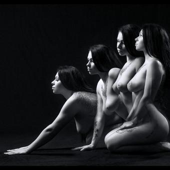 Pikantiška ir subtili erotinė/ glamūr fotosesija. Tai nepakartojamas išgyvenimas ir nauji nepakartojami potyriai. Kai kurie, šį potyrį prilygina šuoliui su parašiutu. Pradžioje gali būti baisoka, nedr