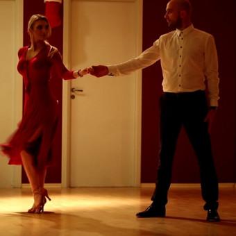 """""""Šokdami tango  neturite mąstyti apie žingsnius. Klausydami tango muzikos, turite išreikšti savo jausmus """""""