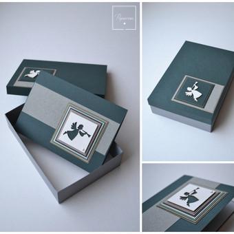 Kalėdinis atvirukas su dėžute. Dydis 150 x 100.
