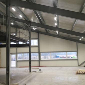 Sandėliavimo patalpų LED apšvietimas ir elektros instaliacijos darbai.