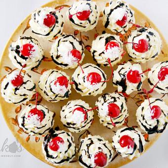 Namų sąlygomis be dažiklių ir konservantų pagaminti keksiukai. Priimame individualius užsakymus, atvažiuojame į vietą su savo indais, dekoruojame saldų stalą, jeigu reikia ir visą švent ...