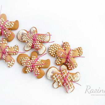 Namų sąlygomis be dažiklių ir konservantų pagaminti kalėdiniai sausainiai. Priimame individualius užsakymus, atvažiuojame į vietą su savo indais, dekoruojame saldų stalą, jeigu reikia ir  ...