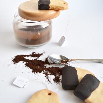 Namų sąlygomis be dažiklių ir konservantų pagaminti sausainiai. Priimame individualius užsakymus, atvažiuojame į vietą su savo indais, dekoruojame saldų stalą, jeigu reikia ir visą švent ...