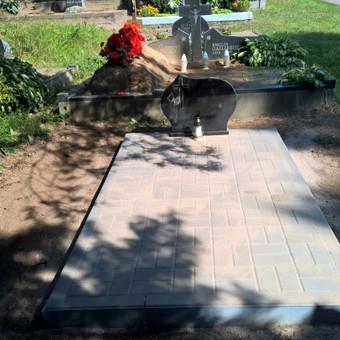 Ypač pigus kapavietės dengimas betoninėmis trinkelėmis, karveliškių kapinės 865688083