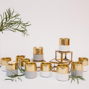 Aukso spalvos žvakidės