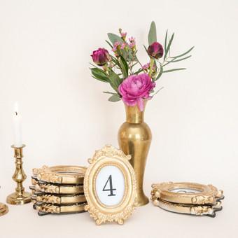 Aukso spalvos rėmeliai stalo numeriams