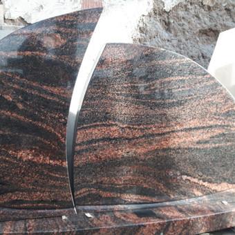 Paminklai, antkapiai, granito plokštės kapo dengimui . . / Anicetas Senulis / Darbų pavyzdys ID 245973