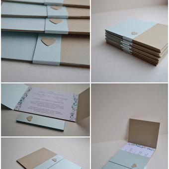 Kvietimas. Dvi dalys - atverčiamas kvietimo pagrindas su tekstu bei ir mova.  Dydis - 150 x 105.