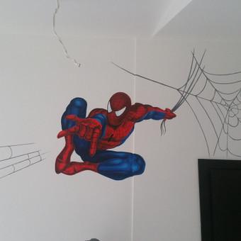 Tapyba ant sienos.