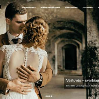 1Vienintelis savo firminiame stiliuje naudoja išskirtinai tik juodos ir baltos spalvos kombinacijas, todėl šios spalvos buvo naudojamos ir kuriant jų internetinę svetainę.