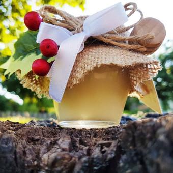 Dovanėlės svečiams - medaus stiklainis