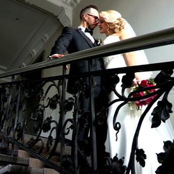 Džiaugiuosi už Jus ir Jūsų laimę. Nuoširdžiai pasakysiu, Jūs net neįsivaizduojat kaip džiaugiasi filmuotojo akys matydamos tokias vestuves, be streso, su gera nuotaika, daug draugų ir ger ...