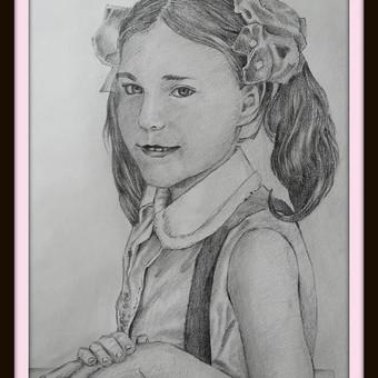 Darbas pagal užsakymą. Mergaitės portretas nr.2. Formatas - A3. Popierius, pieštukas.  2018m.