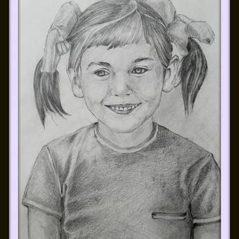 Darbas pagal užsakymą. Mergaitės portretas. Formatas - A3. Popierius, pieštukas.  2018m.