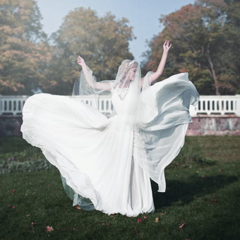 Individualiai kurta suknelė